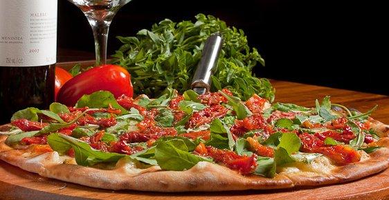 Cozinha para Eventos / Como fazer a tradicional Pizza italiana