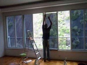 Vidraceiro / Aprenda a aplicar insulfilm nas janelas de casa