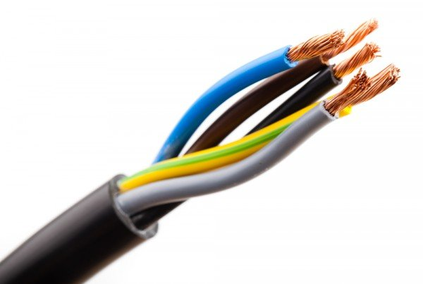 Eletricista / Como resolver problemas de curto-circuito?