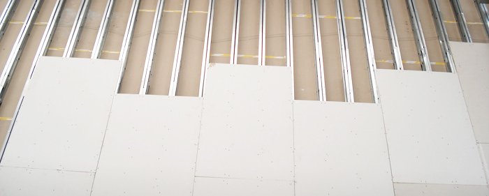Gesso e DryWall / Dicas para fazer parede de Drywall com economia de tempo e dinheiro