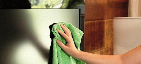 Assistência Técnica / Aprenda a limpar a tela da sua TV
