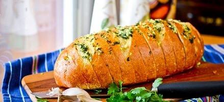 Churrasqueiro / Aprenda a fazer pão de alho caseiro