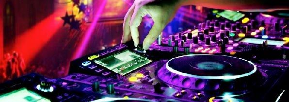 Bandas, cantores e DJs / Confira dicas para um DJ iniciante