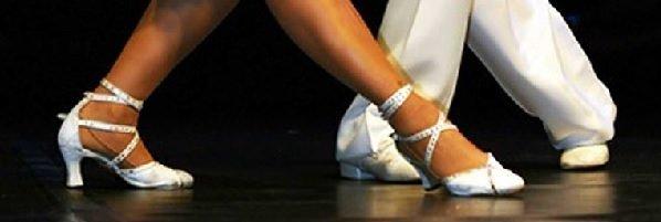 Aulas / Aprenda os passos básicos do Samba de Gafieira