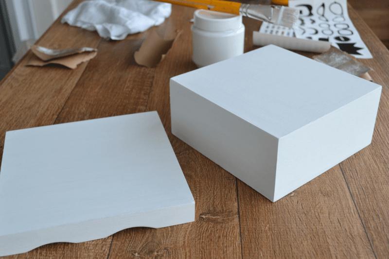 Artes e Artesanatos / Como pintar uma caixinha de madeira
