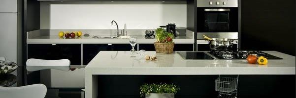 Marceneiro / Vantagens de ter uma ilha na cozinha
