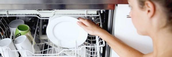 Assistência Técnica / Precisa lavar na mão antes de colocar na lava-louças?
