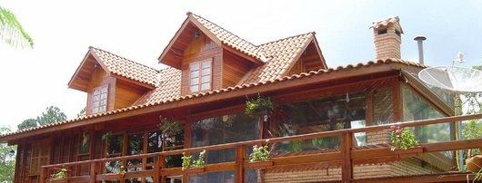 Marceneiro / Quais as vantagens e desvantagens de uma casa de madeira