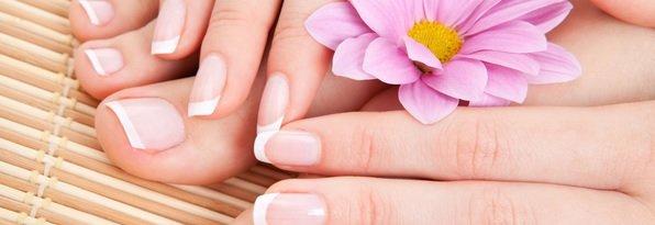 Manicure / Aprenda como fazer um fortalecedor para unhas