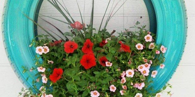 Jardinagem / Reutilize um pneu como vaso de flores