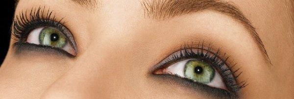 Maquiadores / 5 dicas para a maquiagem dos olhos durar mais
