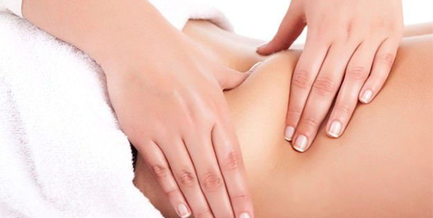 Esteticista / Massagem modeladora contra a celulite