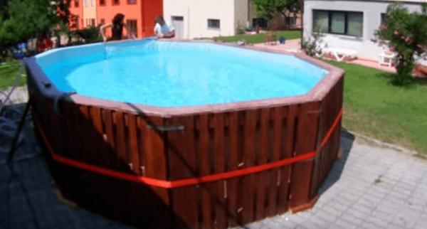 piscina com paletes