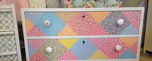 Pintor / Como decorar móveis com papel de parede