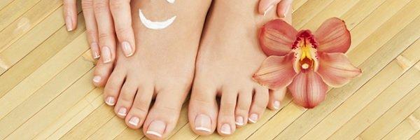 Manicure / Dicas para acabar com os pés rachados