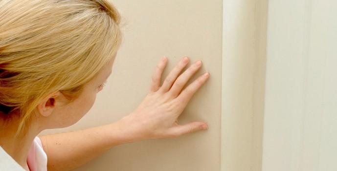 Pintor / Aprenda a retirar manchas das paredes
